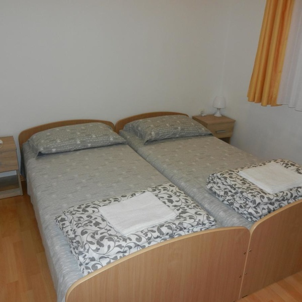 Places to stay-Apartma Riba